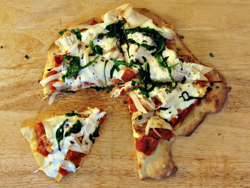 Arugula and Onion Pizza