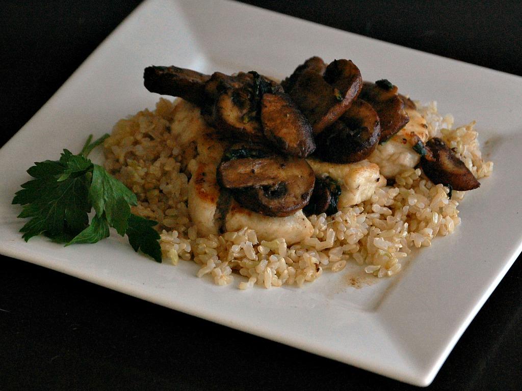 Chicken and Mushrooms in Garlic-Wine Sauce
