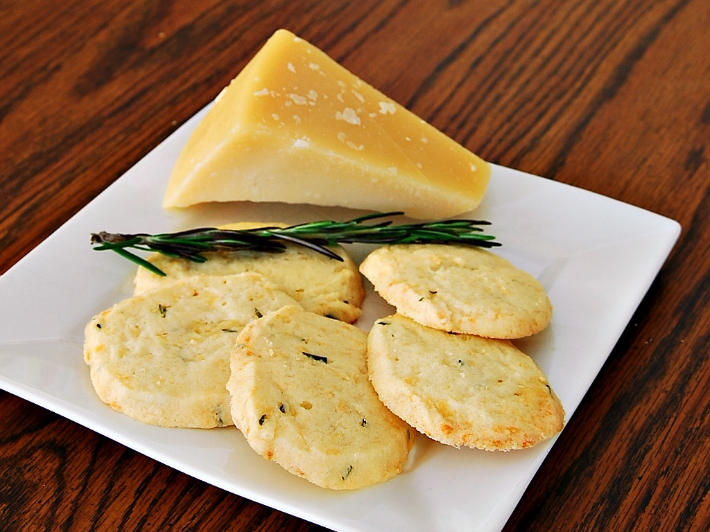 Rosemary-Parmesan Shortbread #cookies