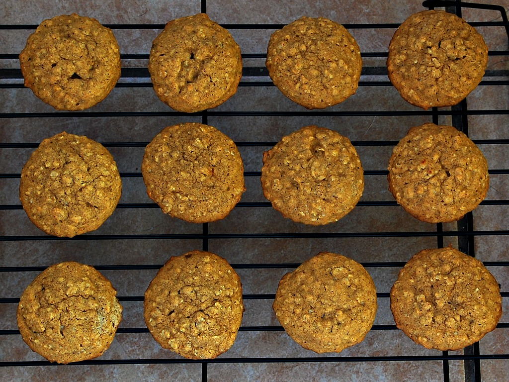 Spiced Pumpkin Oatmeal Cookies #12DaysofCookies | The ...
