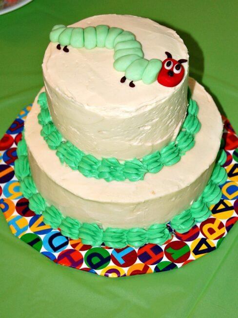 The Very Hungry Caterpillar Cake #veryhungrycaterpillar #ericcarle