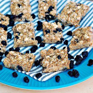 Baked Blueberry Oatmeal Bars