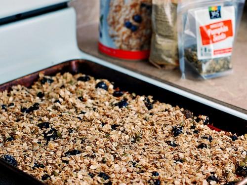 Cherry Berry #NutFree Granola #healthy #kidfriendly #snack