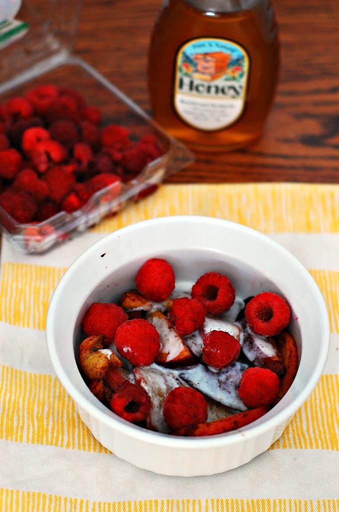 Cinnamon Vanilla Roasted Peaches with Honey Yogurt Cream