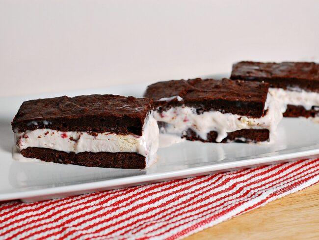 Strawberry Cheesecake Ice Cream Sandwiches #SundaySupper