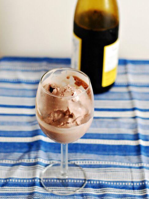 Pinot Noir Ice Cream by @TheRedheadBaker for #IceCreamWeek