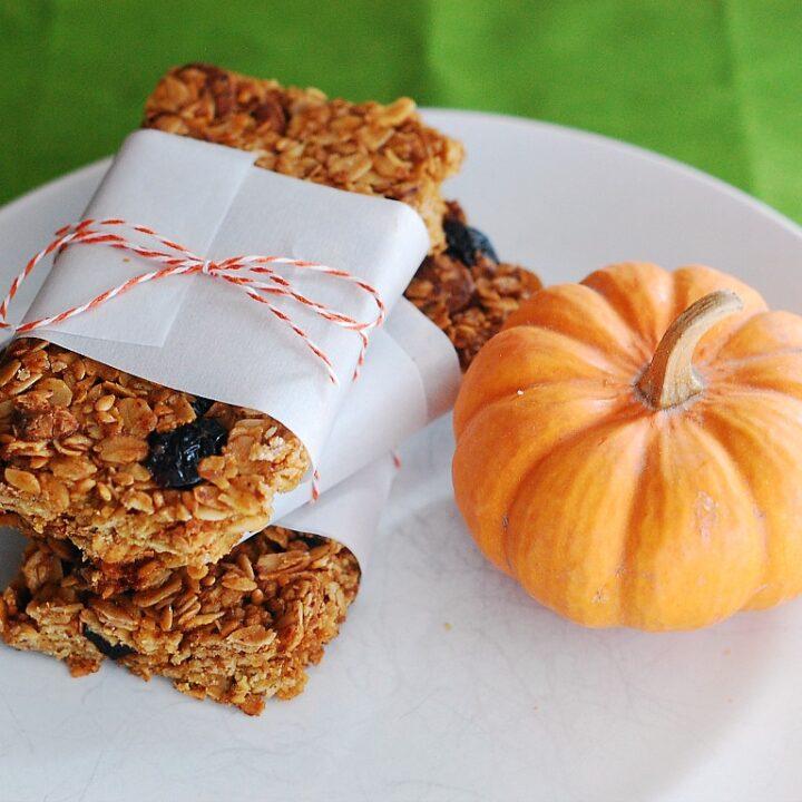 Pumpkin Spice Granola Bars by @TheRedheadBaker