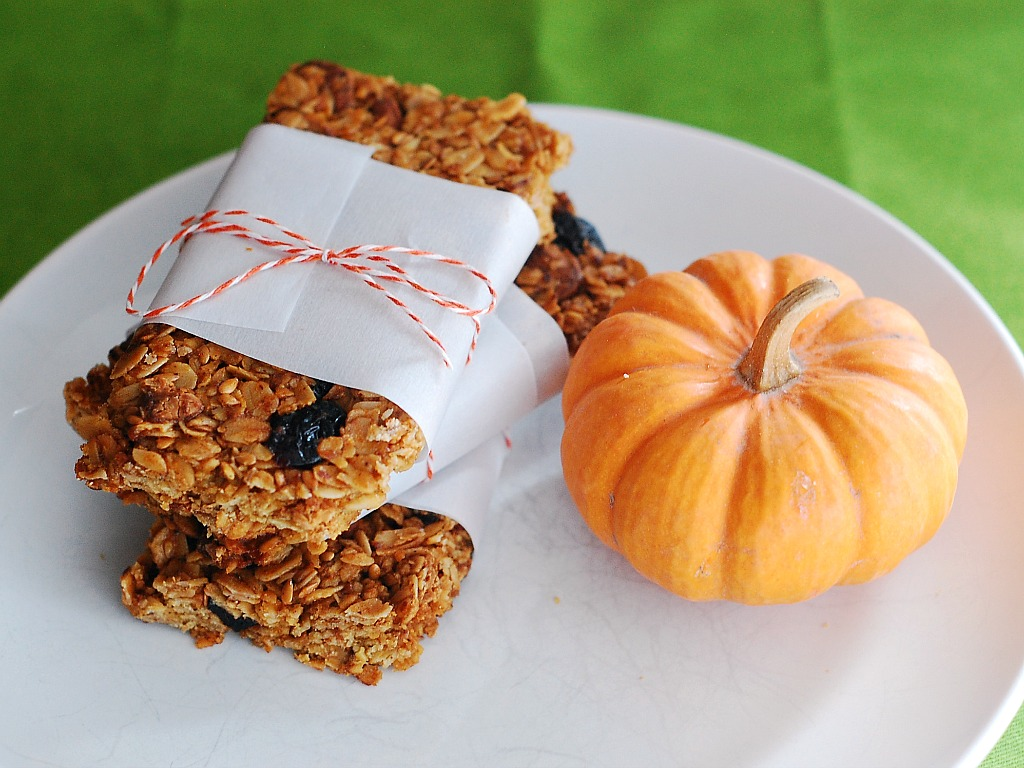 Pumpkin Spice Granola Bars by @TheRedheadBaker
