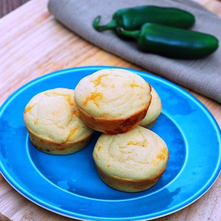Jalapeno Cheddar Corn Muffins | theredheadbaker.com