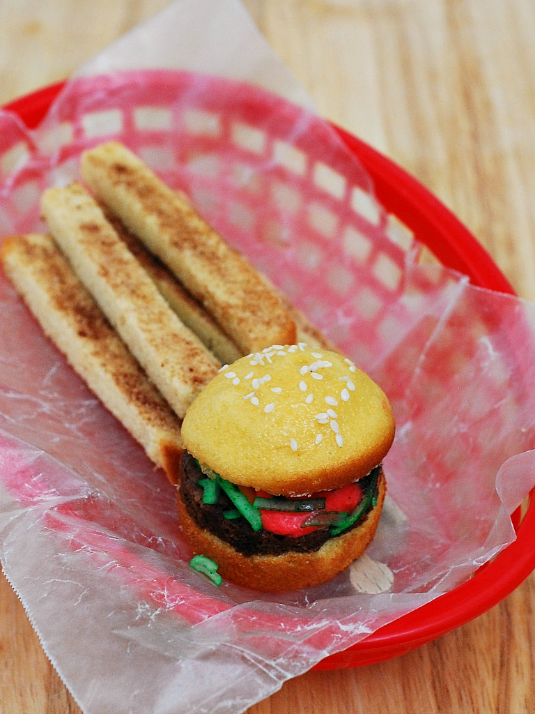 Fake-Out Sliders and Fries #SundaySupper | theredheadbaker.com