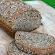 Irish Oatmeal Bread #StPatricksDay | theredheadbaker.com