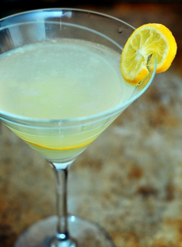Meyer Lemon Rosemary Martini #SundaySupper | theredheadbaker.com