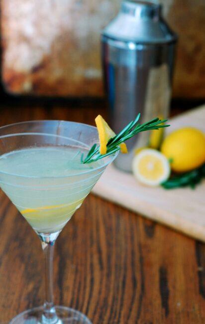 Meyer Lemon Rosemary Martini #SundaySupper | theredheadbaker.com