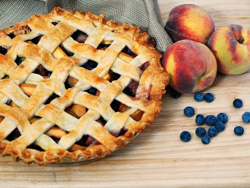 Peach Blueberry Pie | theredheadbaker.com