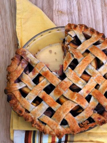 Peach Blueberry Pie | theredheadbaker.com