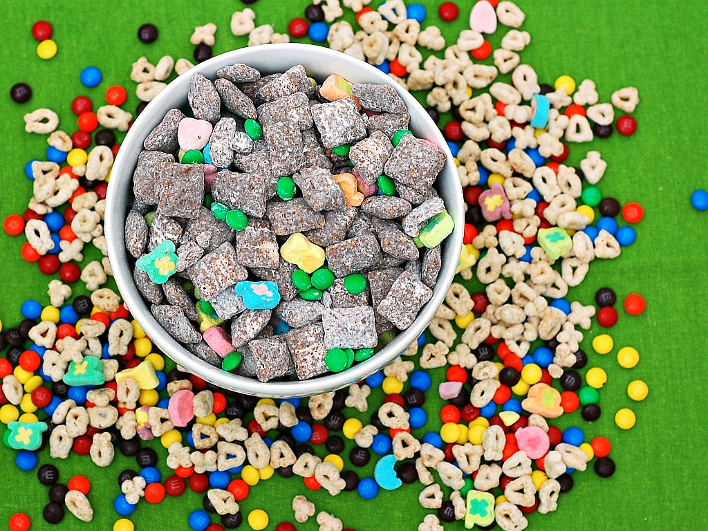 #StPatricksDay Muddy Buddies | theredheadbaker