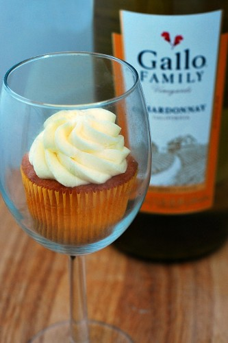 Vanilla Cupcakes with Lemon Curd Filling and Lemon Buttercream #SundaySupper #GalloFamily | theredheadbaker.com