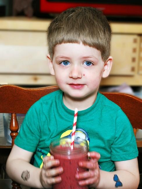 Cherry Apple Smoothie #KidsintheKitchen  #CLBlogger | theredheadbaker.com