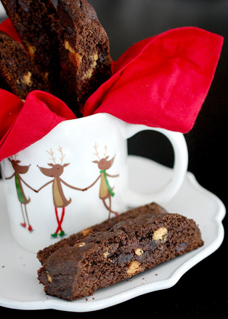 eva bakes triple chocolate biscotti