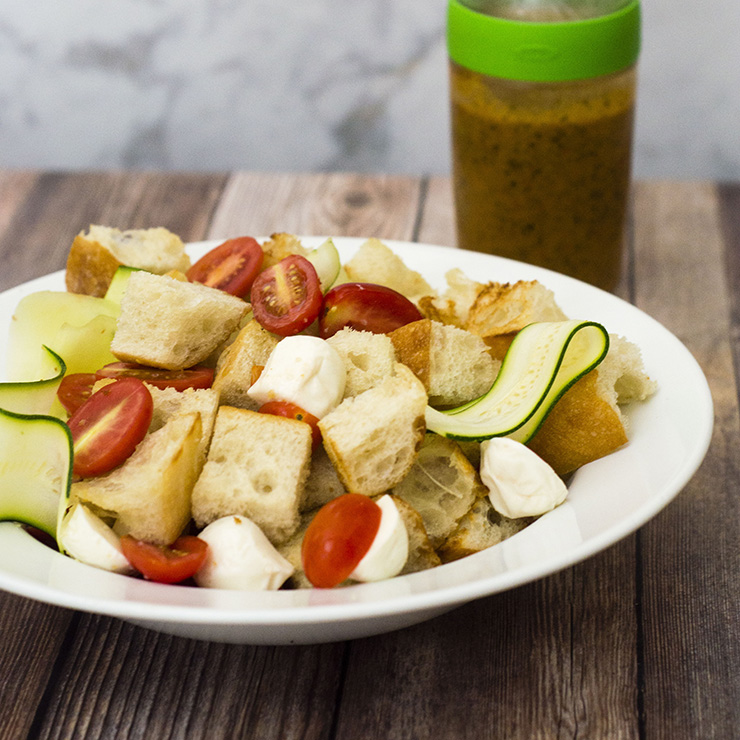 Bring your family together this summer over this Italian panzanella salad with Italian tomato vinaigrette. #SweeterTogether