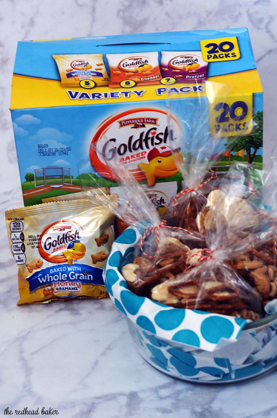 Adults and kids alike can snack smarter with Goldfish® Crackers Cherry-Apple Trail Mix, a nut-free snack mix for snacking on the go! #MixMatchMunch #ad