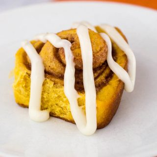 Pumpkin Cinnamon Rolls #PumpkinWeek