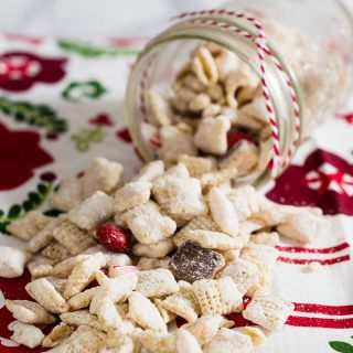 Reindeer Chow {Peppermint Muddy Buddies}