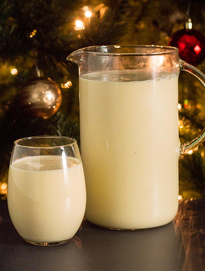 What says Christmas more than eggnog? This traditional recipe uses eggs, cream, sugar and nutmeg, with the optional addition of brandy or other liquor. #SundaySupper