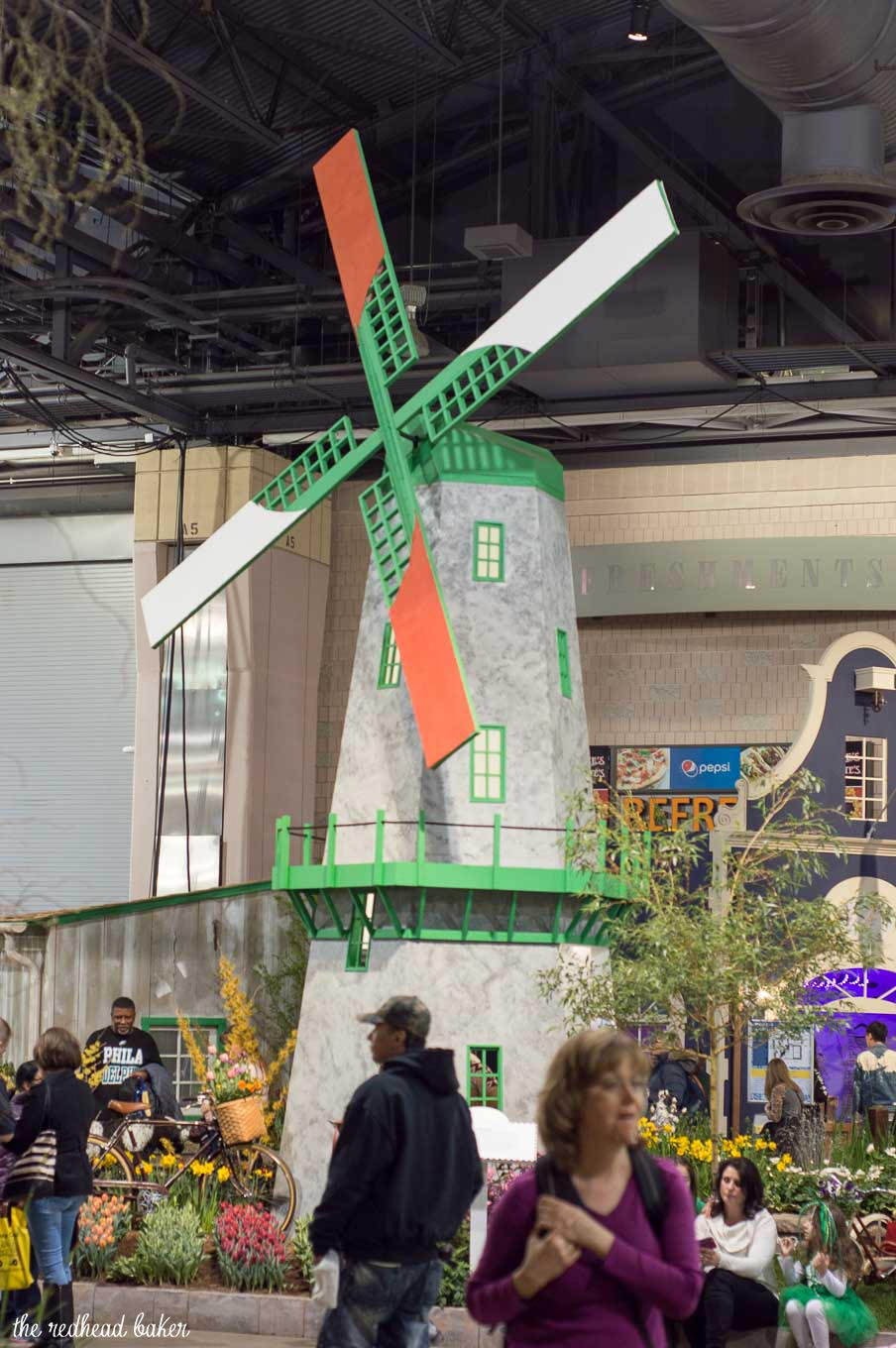 I'm sharing a few photos from this year's annual Philadelphia Flower Show, an event put on the Philadelphia Horticultural Society. This year's theme is Holland.