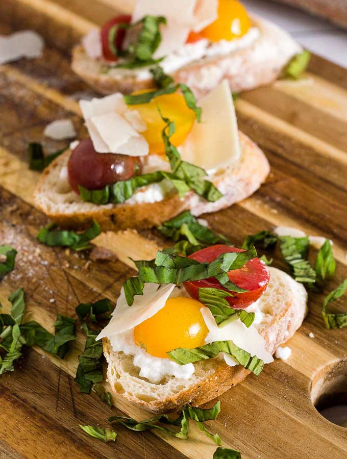 Bruschetta with Marinated Tomatoes and Ricotta #FarmersMarketWeek