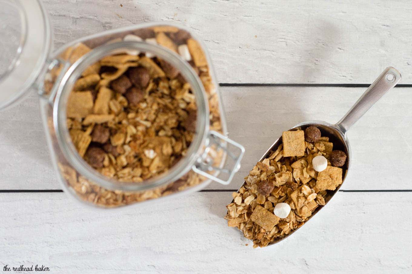 Back-to-school means busy days. Make a batch of this S'mores Granola made with HONEY MAID® S'mores so you always have a snack at the ready. #StockUpWithPost #CerealAnytime #sponsored