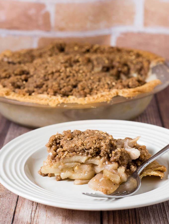 Apple Pie with Oat Crumble Topping #AppleWeek