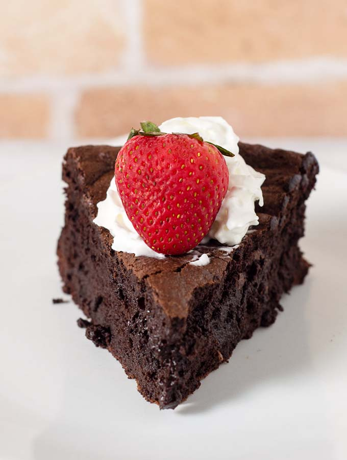 Flourless Chocolate Cake #Choctoberfest