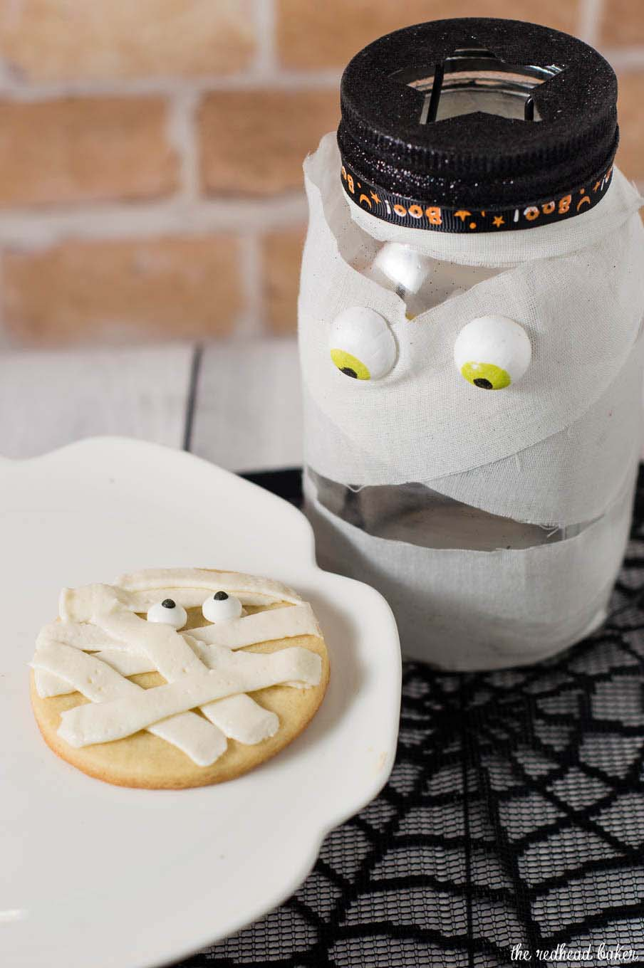 Scare up some easy Halloween treats — make these spooky mummy cookies. Simply pipe a few lines of frosting onto round sugar cookies, add candy eyes and you're done! #ProgressiveEats