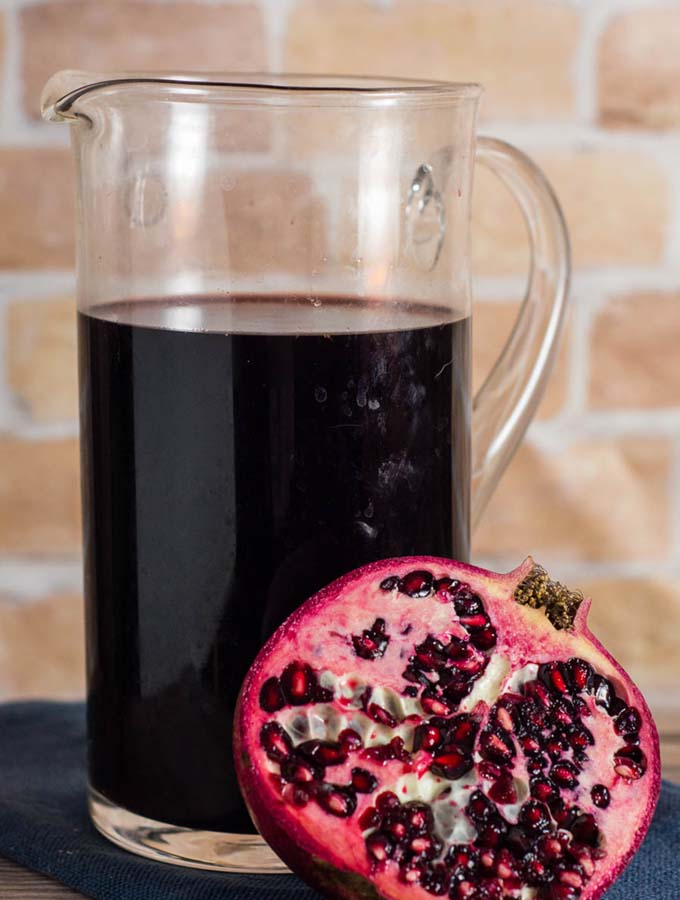 Spiced Pomegranate Red Wine Punch #FabulousFallBounty